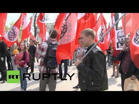 Russia: Left wing protesters in Moscow march for Ukraine