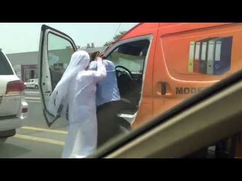 Brutality of the manager of Dubai customs against poor Indian driver