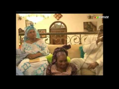 Kandia Kouyaté, Sekouba Bambino & Fadama Babou En Vidéo (extrait) Kebediarassi video