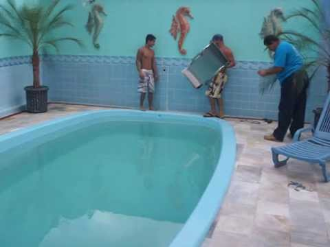 Instala o de piscina de fibra de vidro youtube for Fundas para piscinas