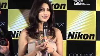 Priyanka: 'Katrina, Deepika are extremely photogenic!'