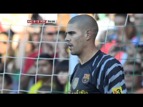 Victor Valdes save penalty in match Racing vs FC Barcelona 0:3