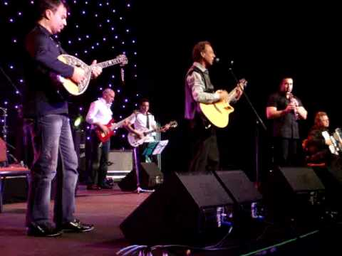 GEIA SOU ELLADA by Yiannis Katevas - Live at the Adelaide Glendi 2009