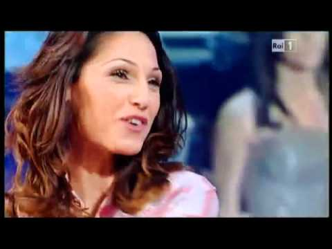 Anna Tatangelo ospite se..a casa di Paola Perego 10-03-2011 2/3