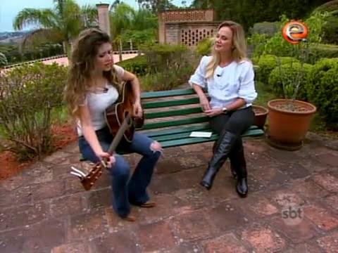 Paula Fernandes em Entrevista exclusiva para o Programa da Eliana