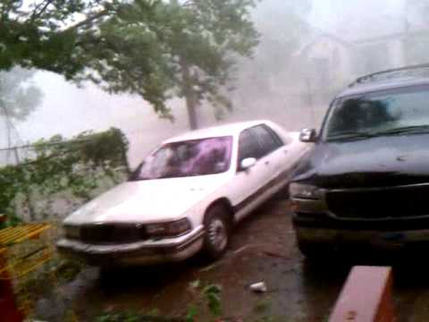 Huge thunderstorm crashes through Gainesville Tx