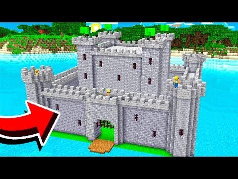 BUILDING A CASTLE In MINECRAFT! (Preparing For War)