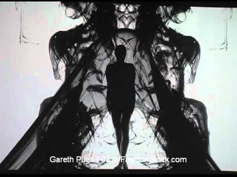 Gareth Pugh - Paris F09 - fashion catwalk runway presentation on film media