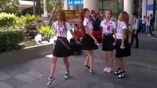 Funny Thai Girls Dancing