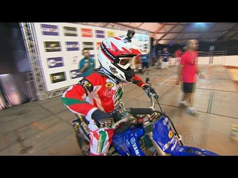 Joaninha Dá Show E Vence Desafio Internacional De Motocross Estilo Livre video
