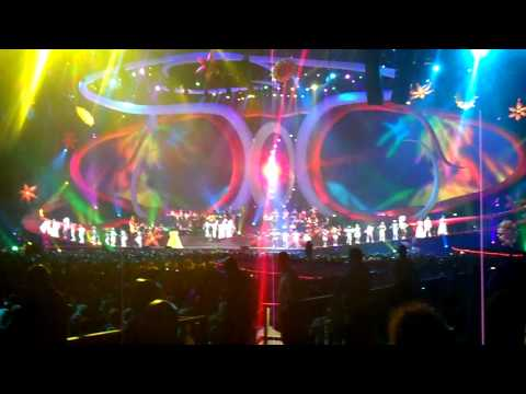 Diana Ross @ Symphonica In Rosso Geldredome 161009 Can't you feel a brand new day! HD