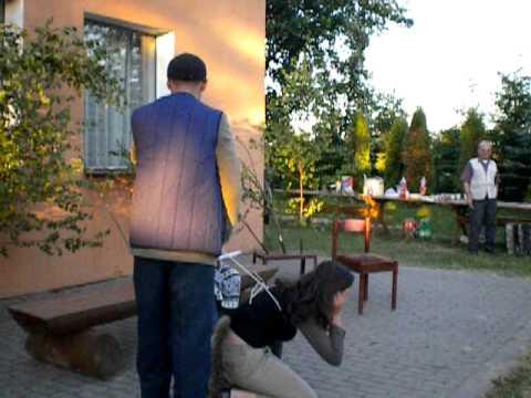 """Kaszubski skecz w wykonaniu kabaretu """"Kùńda"""""""