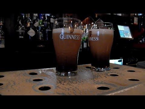 Пробуем пиво Guinnes. Ирландский паб.