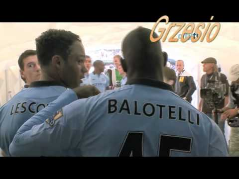 Mario Balotelli hit Joleon Lescott !! (You must see Balotelli RAGE!!!).