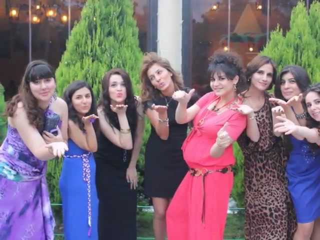 Qerb universiteti.2012 mezunlar Dizayn
