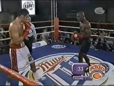 Julio César González vs Glen Johnson