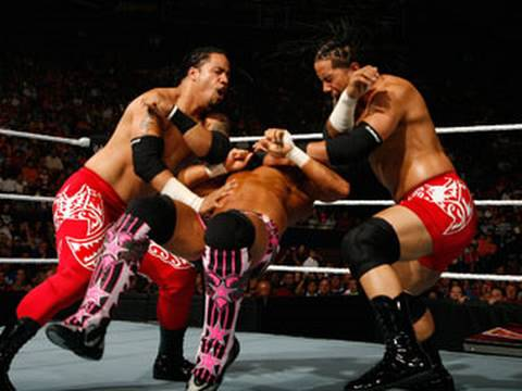 Raw: The Hart Dynasty & Natalya vs. The Usos & Tamina