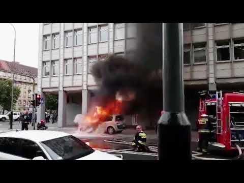 Pożar Samochodu Na Alejach Niepodległości W Poznaniu