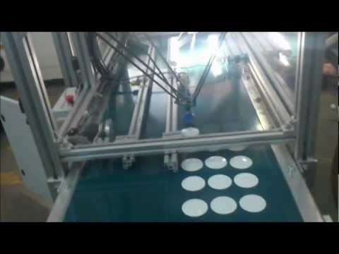 Robot VC-01 Delta ordenando objetos que se desplazan