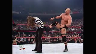 Stone Cold Steve Austin Screwed By Referee Stephanie McMahon Entrance Pop WWE Raw 1-1-2001