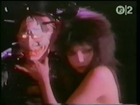 Sandii & the Sunsetz - Alive (The Music Video)