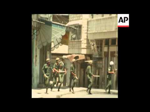 SYND 6 6 76 FRESH CLASHES BETWEEN ARAB YOUTHS AND ISRAELI SOLDIERS IN NABLUS, WEST BANK