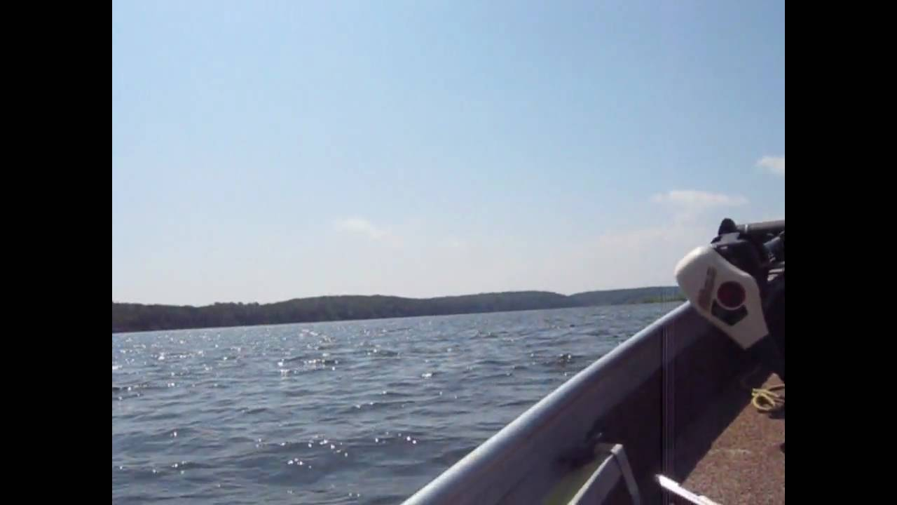 Crappie fishing on truman lake youtube for Fishing report truman lake