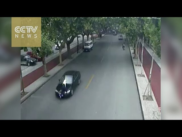 Runaway driver hits policeman, drags him through streets on bonnet