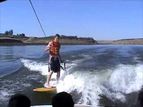Sanger V210 Wakeboarding, Learning to Backflip, Wakesurfing, summer of 2010 snake river
