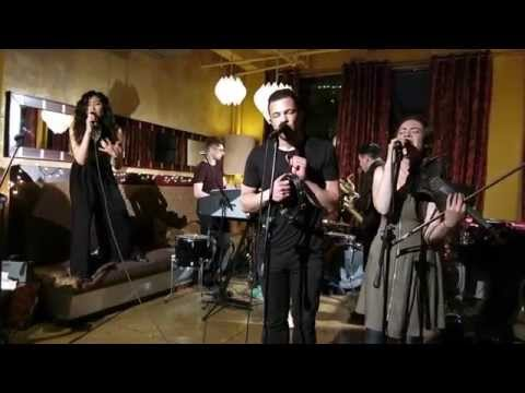 San Fermin- Behind the Scenes of the Buzzsession Vlog