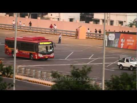Special new low-floor buses introduced in New Delhi!