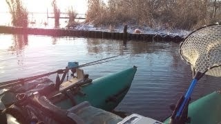 冬の琵琶湖 フローターでバス釣り 2013.1.27 Float Tube Pontoon Boat Winter Bass Fishing
