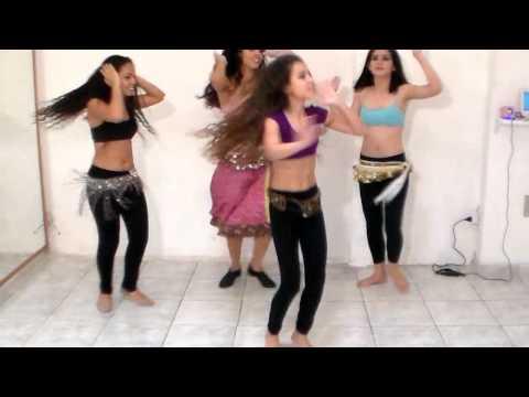 Coreografia De Bolywood Da Cia Thu Danças - Música Compagnie Delle Almeé video