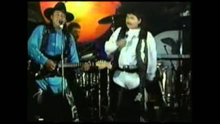 Banda MR-7  Amor Fingido