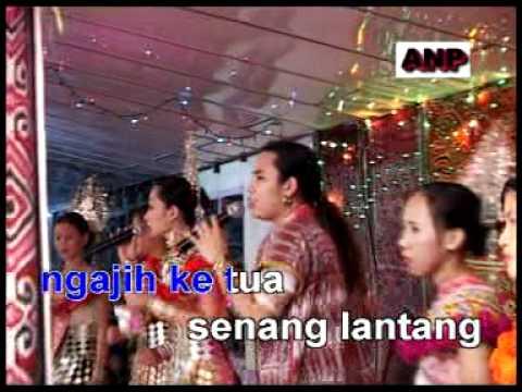 Lagu Gawai Dayak - Melah Pinang Nyerumba Gawai