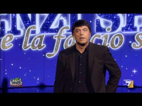 Crozza nella pre-elettorale puntata del 'Renzi – Me la faccio sotto – Show!'