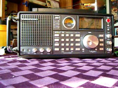 Shortwave Radio: Grundig S750 in the living room