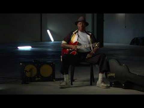 Gibson Guitar Hero Video: Johnny Jones On Bobby Blue Bland