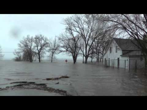 Raw: Flooding Along Illinois River