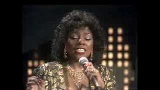Watch Gloria Gaynor I Am What I Am video
