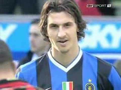 http://www.tuttointer.com http://blog.libero.it/BlogInter/ Ibra hypnotized Ronaldo During The Derby!!!LIKE IN A FAR WEST Thanks For the Video to Toone10!!!