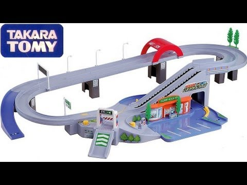 Highway Pursuit Tomica Playset Takara Tomy using Disney Pixar Mattel Cars 2 Hypercity Rescue