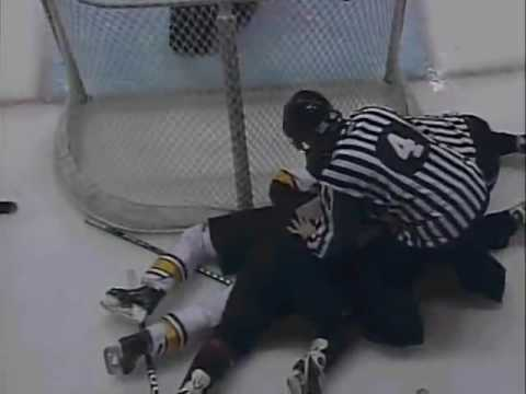 Chicago Wolves vs Lake Erie Monsters 4/8/2009 Video