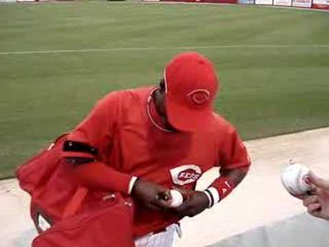 Cincinnati Reds Brandon Phillips @ Spring Training Video