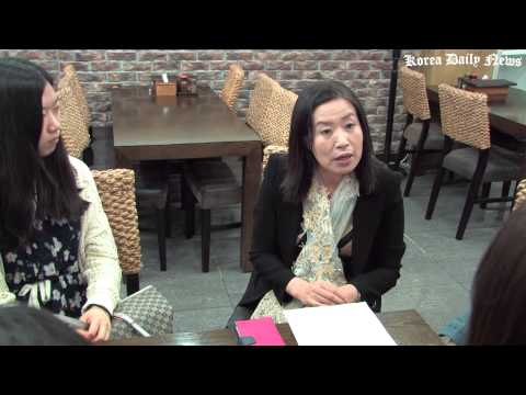 Discussion of Traditional North Korea Food for E-Hwa Women U