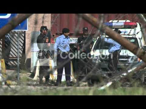 PAKISTAN:MUSHARRAF CONVOY ARRIVAL IN COURT