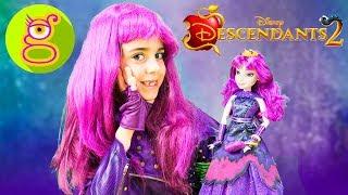LOS DESCENDIENTES 2 - LARA se disfraza de MAL y juega con la MUÑECA - HAUL de DISNEY Store