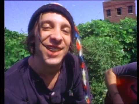 Thumbnail of video MERCURY REV - Chasing a bee (HIGH QUALITY - from DVD)