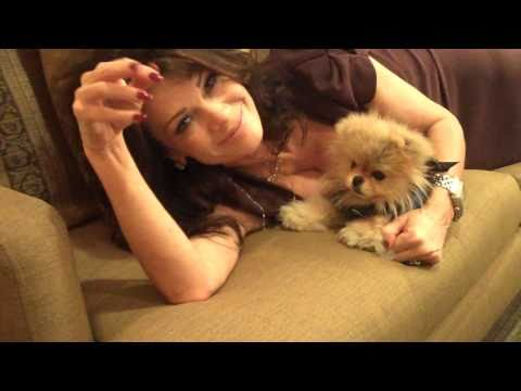 Lisa Vanderpump Helps Giggy Prepare video