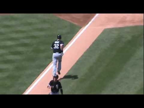 Chicago White Sox' Adam Dunn homers vs. Detroit Tigers